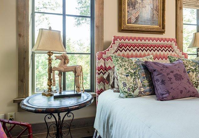 Appling Guest room interior design - closeup view