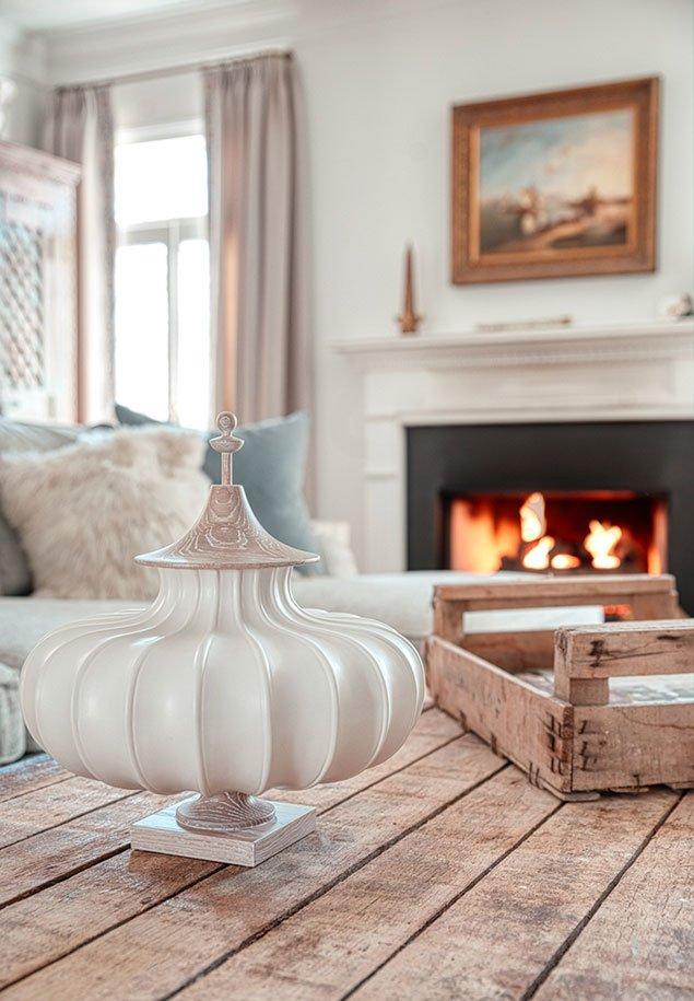 Tanglebrook table centerpiece interior design